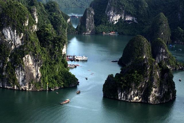 Vịnh Hạ Long 1 trong 7 kỳ quan thiên nhiên thế giới được UNESCO công nhận