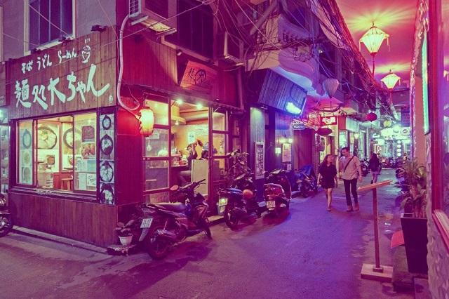 Little Japan Town là 1 khu phố cuốn hút hấp dẫn vào ban đêm