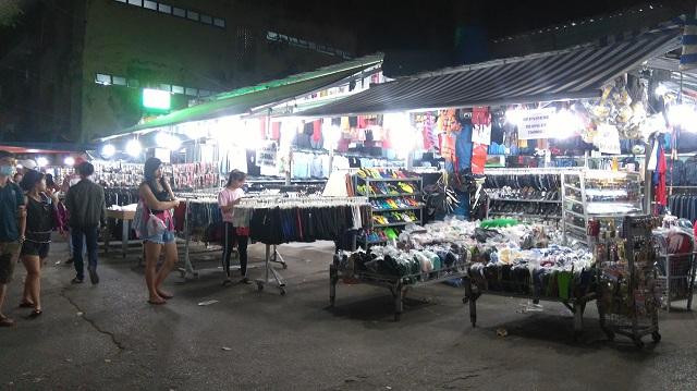Khu mua sắm, ăn uống ở Đại học Nông Lâm là đặc khu dành cho sinh viên và cũng là địa điểm để các bạn trẻ thỏa thích khám phá