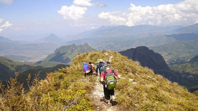 Là đỉnh núi cao thứ 3 của Việt Nam với chiều cao 3.076 m
