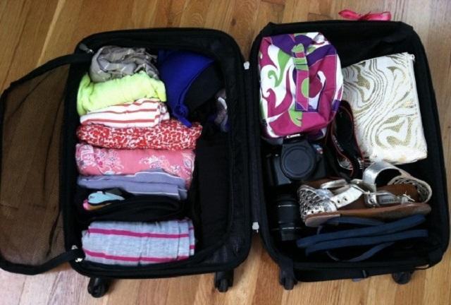 Xếp quần áo và đồ đạc theo từng lớp để khi lấy cho tiện không làm mất nhiều thời gian