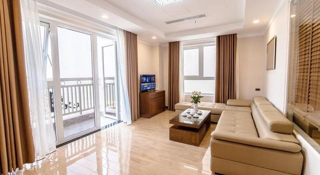 Khách sạn Blue Sun Đà Nẵng với những căn phòng có ban công hướng ra bãi biển cùng nội thất phòng ốc hiện đại, xắp xếp ngăn nắp
