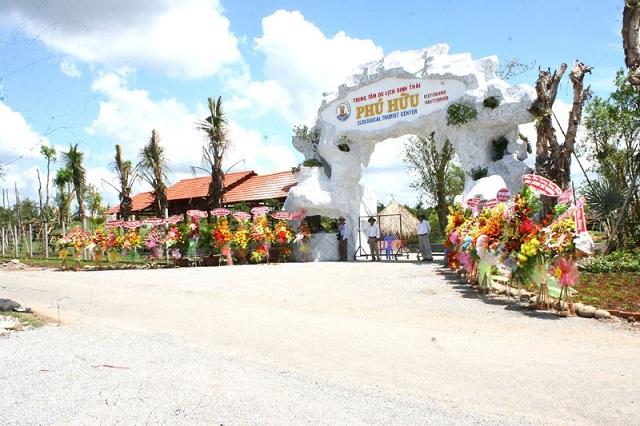 Khu du lịch Phú Hữu cần thơ, được ví như là một vùng Nam Bộ thu nhỏ