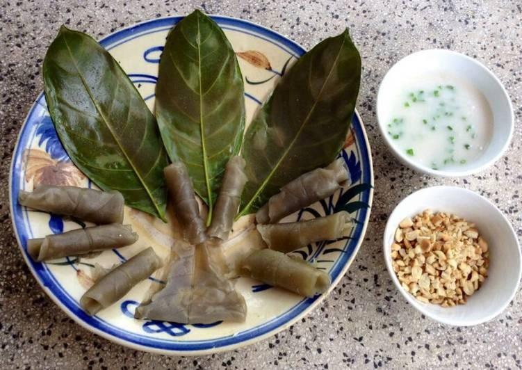 Bánh lá mít có hương vị thơm ngon khi ăn kèm cùng nước cốt dừa