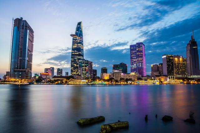 Sài Gòn về đêm luôn náo nhiệt và sôi động