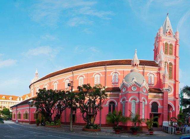Nhà thờ Tân Định là điểm đến lý tưởng vào dịp cuối tuần