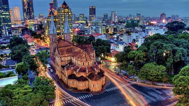 Sài Gòn nhộn nhịp với nhiều điểm vui chơi hấp dẫn