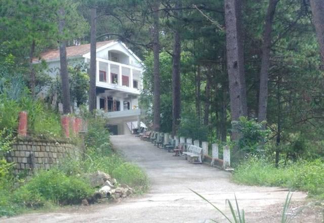 Ngôi biệt thự nổi tiếng của đèo Prenn, với tên gọi là ngôi biệt thự ma ám