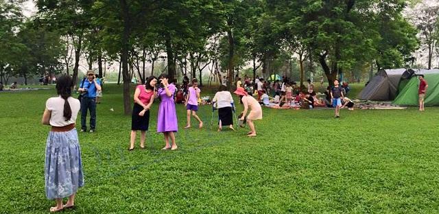 Tại công viên Yên Sở - Hà Nội thường xuyên diễn ra các hoạt động vui chơi, dã ngoại