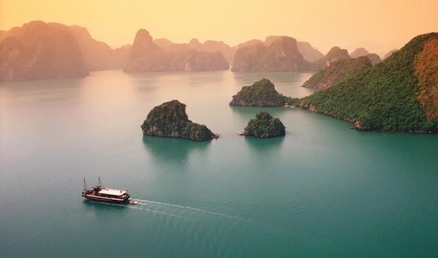 Vịnh Hạ Long được xem là một di sản của thế giới và được thế giới công nhận