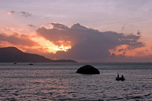 Đảo Bình Ba khi hoàng hôn buông xuống