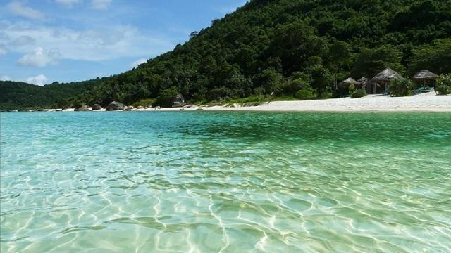 Bãi Sao ở đảo Phú Quốc là nơi có bãi biển đẹp tuyệt vời và cũng là nơi mà nhiều du khách mong muốn được đến để nghỉ dưỡng