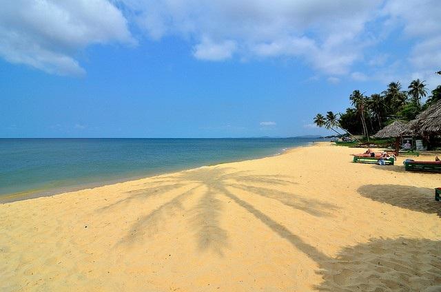 Bãi dài được mệnh danh là bãi biển đẹp và hoang sơ nhất của Việt Nam
