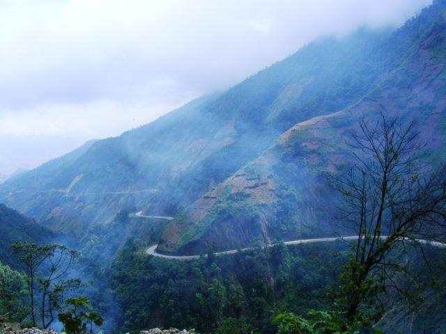 Đèo Khau Phạ là một trong những con đèo nguy hiểm nhất Việt Nam
