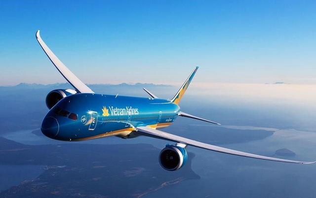 Máy bay là phương tiện nhanh và an toàn nhất để ra đảo Bình Ba, mà nhiều du khách lựa chọn