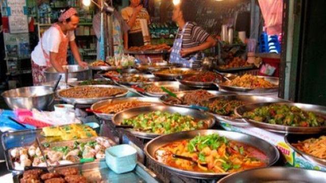 Phố ẩm thực Huỳnh Thúc Kháng – khu phố ăn uống nổi tiếng tại Đà Nẵng