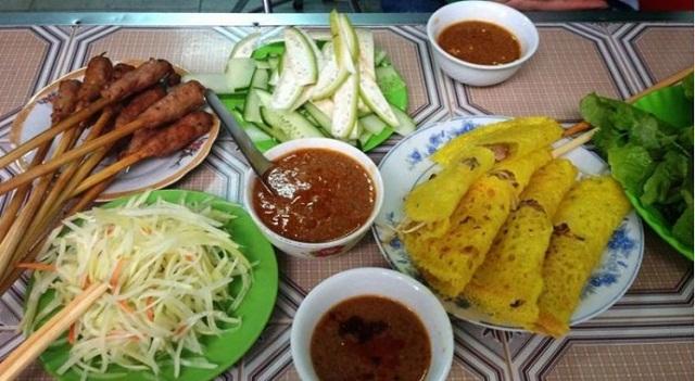 Món nem lụi, bánh xèo Đà Nẵng - ăn là ghiền