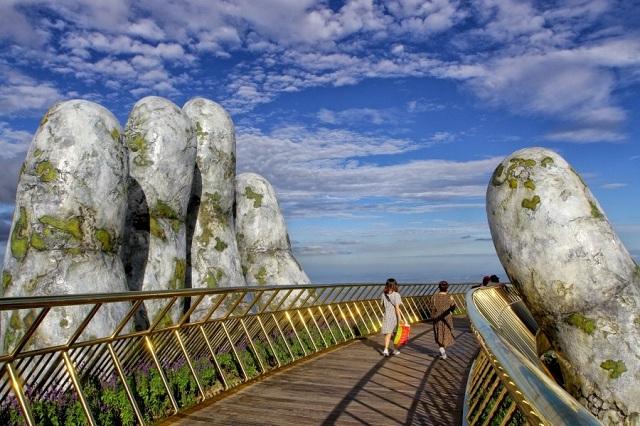 Bà Nà Hill là địa điểm check in nổi tiếng ở Đà Nẵng