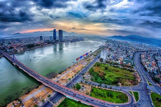 Đà Nẵng là một thành phố du lịch nổi tiếng, thu hút một lượng lớn du khách