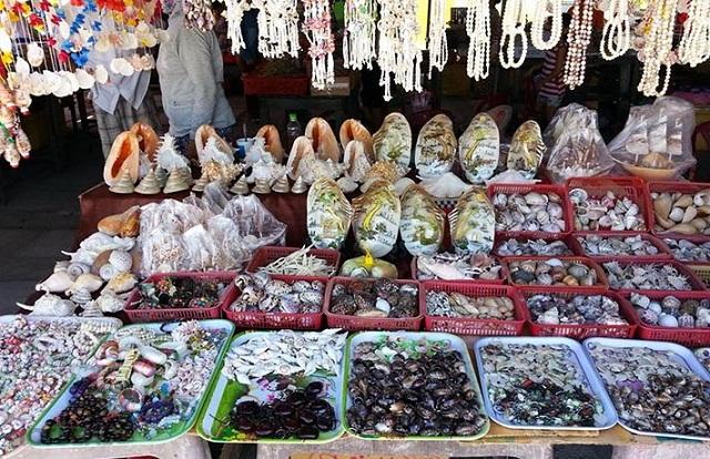 Chợ Tân Hiệp có những đặc sản nổi tiếng của vùng núi và vùng biển