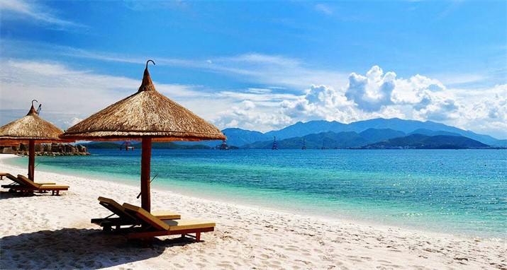 Biển Mỹ Khê ở Đà Nẵng là bãi biển xinh đẹp nhất hành tình