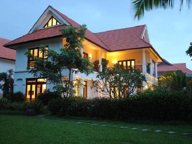 Tại resort Furama Resort Đà Nẵng những căn biệt thự đều được thiết kế theo phong cách hiện đại.
