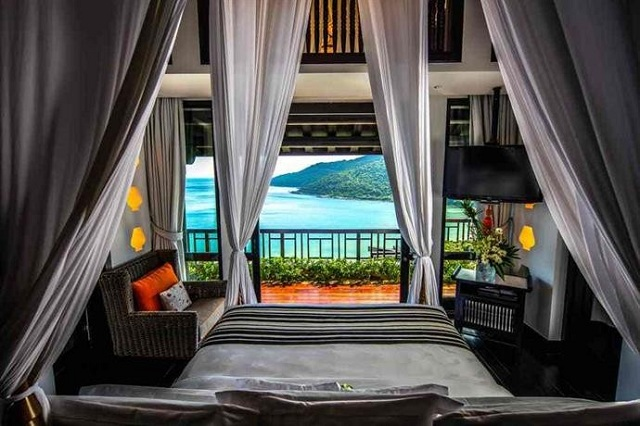 Tông màu được sử dụng chính ở resort Intercontinetal Da Nang là đen và trắng