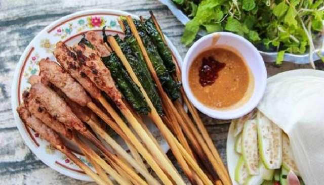 Nem lụi, bò lá lốt ở quán Kim Anh được thực khách đánh giá rất ngon và đặc biệt