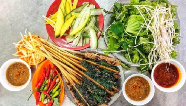 Nem lụi và đồ ăn cùng ở quán Tâm rất ngon và đặc biệt, luôn đáp ứng được nhu cầu cho thực khách