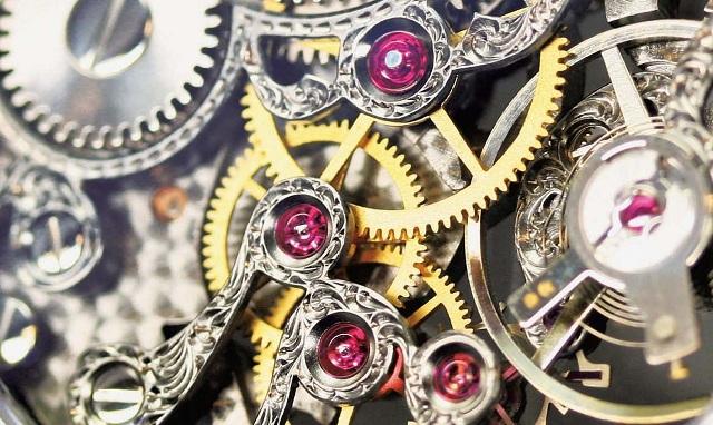Chân kính đồng hồ còn có tác dụng giúp tăng thêm giá trị thẩm mỹ cho mộ máy của đồng hồ