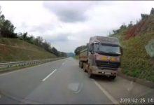Photo of [VIDEO] Xe container quay đầu chạy ngược chiều trên cao tốc Nội Bài – Lào Cai