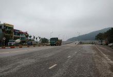 """Photo of Trạm BOT Bỉm Sơn """"rục rịch"""" hoạt động trở lại, tài xế thi nhau phản đối"""