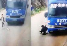 Photo of VIDEO: Bé trai thoát chết nhờ cú bẻ lái thần kỳ của tài xế xe buýt
