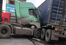 Photo of VIDEO: Hai xe container đâm nhau ngang thân tại Hải Phòng