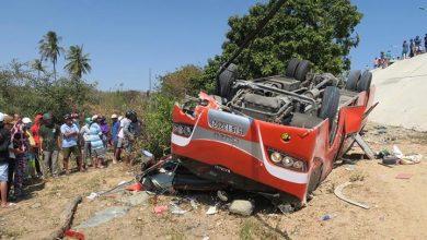 Photo of Tai nạn lật xe ở dốc Lầu Ông Hoàng khiến tài xế tử vong