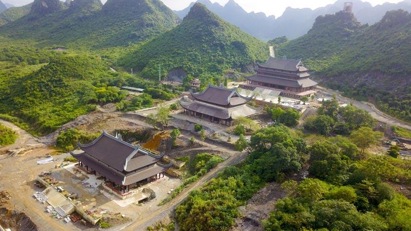Toàn cảnh chùa Tam Chúc, Ba Sao, Hà Nam