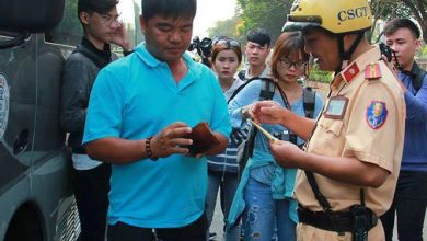 Photo of Tài xế ngỡ ngàng khi bị xử phạt vì khách không thắt dây an toàn