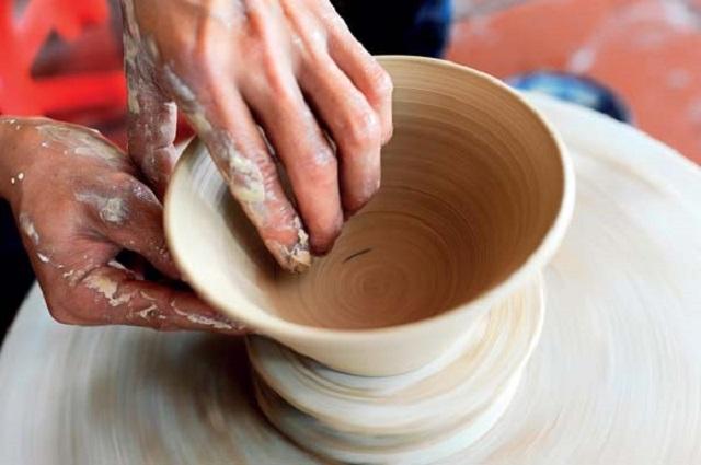 Đất cao lanh còn được những làng nghề làm gốm sử dụng để tạo ra sản phẩm