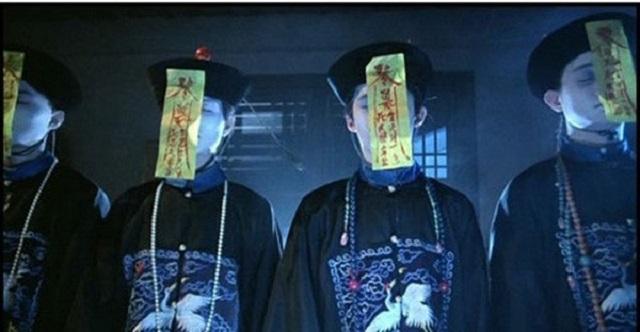 Bạn có thể dùng gương để soi cương thi, bởi chúng rất sợ nhìn thấy chính mình