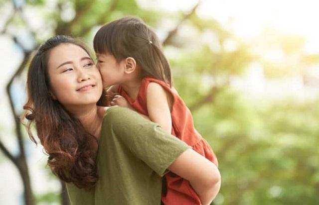Bị người đàn ông phản bội cũng là một nguyên nhân khiến người phụ nữ trở thành mẹ đơn thân