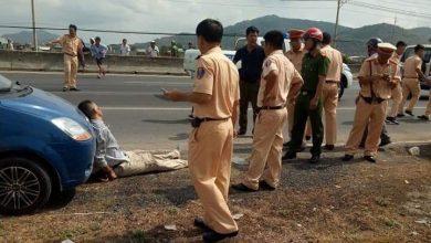 Photo of Người tâm thần dùng rìu chém người, lái ô tô tông 1 CSGT tử vong