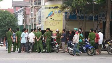 Photo of Bị xế hộp chặn đầu, nhóm người từ xe khách nổ súng nhiều phát thị uy