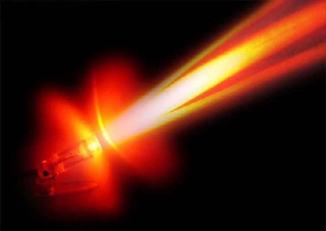 Thủy tinh cũng có tính tia hồng ngoại và bên trong chúng có sử dụng sắt để dẫn nhiệt