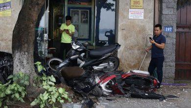 Photo of Danh tính người lái ôtô chồm lên vỉa hè tông nát 6 xe máy ở Hà Nội