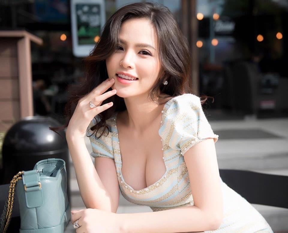 """Thánh nữ """"Mì gõ"""" Phi Huyền Trang là ai?"""