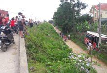 """Photo of Phú Thọ: Ô tô khách """"bay"""" qua đê, lao thẳng vào vườn nhà dân"""