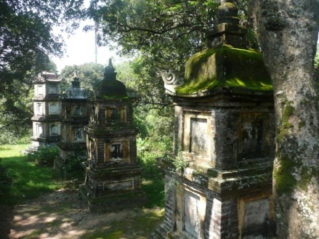 Vong gây ra trùng tang cần được đưa lên chùa để trấn giữ