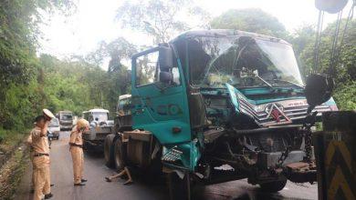 Photo of Xe đầu kéo va chạm với xe tải, đèo Bảo Lộc kẹt cứng nhiều giờ liền