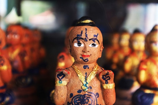 Phet Phum Ngan là loại bùa Ác Nhân chuyên Độ Tà và làm hại kẻ thù của chủ nhân