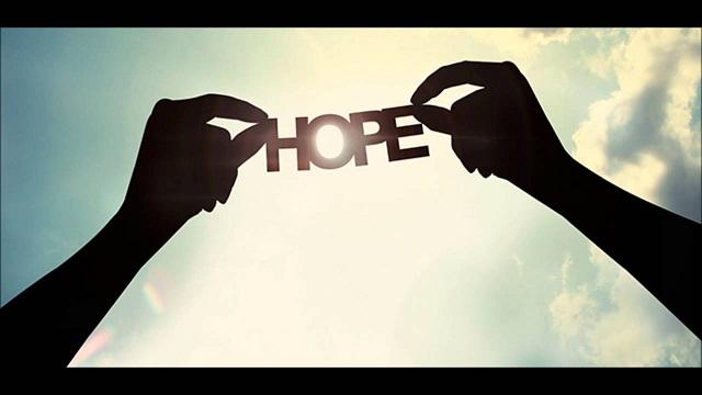 Lối sống nhân văn thể hiện ở khát vọng vào công lý, hy vọng hạnh phúc